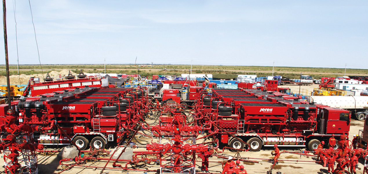 Jereh frac spread performs large-scale fracturing operation in Xinjiang,China.