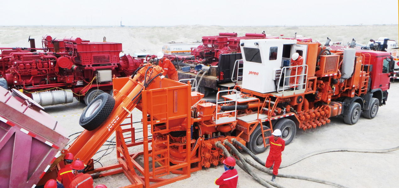 Jereh 240bbl Truck Mounted Sand Blender in Karamay,China
